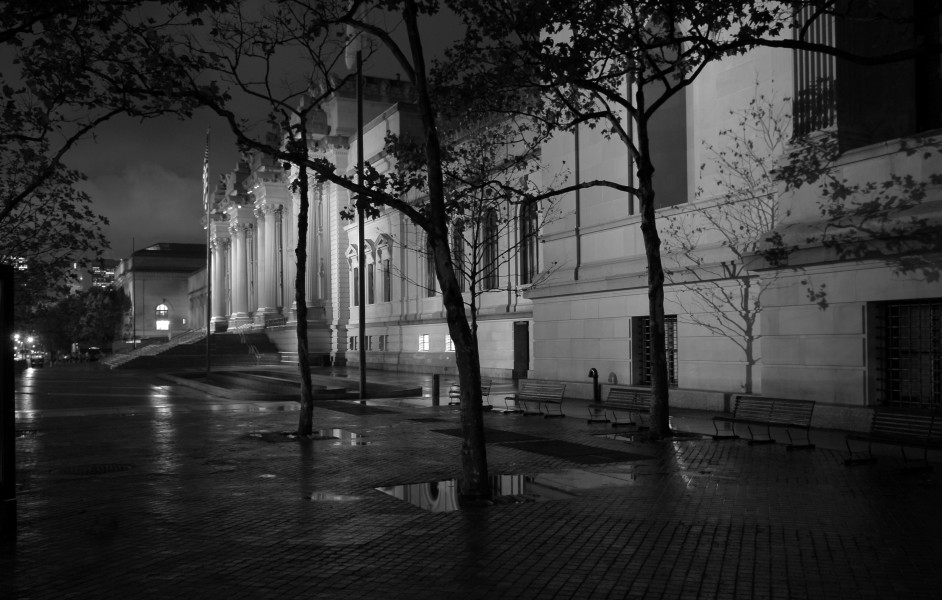 Ben Asen Personal Work Photo: Black and white photo of Metropolitan Museum of Art in New York City at night in the rain.