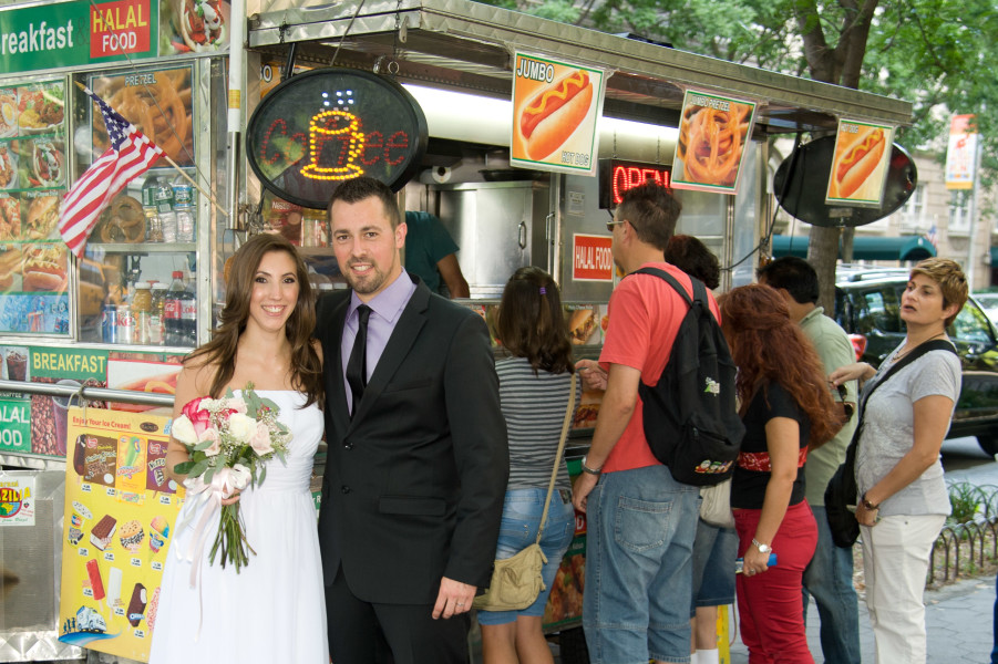 Ben Asen Celebrations Photo: Bride and groom in front of a hot dog stand in New York City