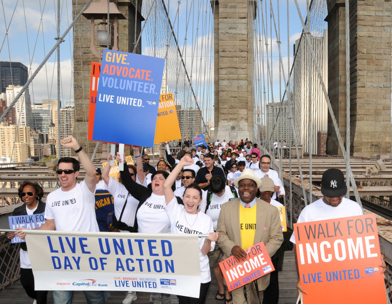 Ben Asen Event Photo: United Way of NYC Live United Walk with People Walking Over the Brooklyn Bridge