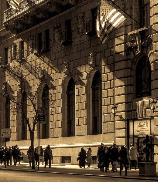 Ben Asen Personal Work Photo: black and white photo of people waling on Fifth Avenue New York City on late sunny day